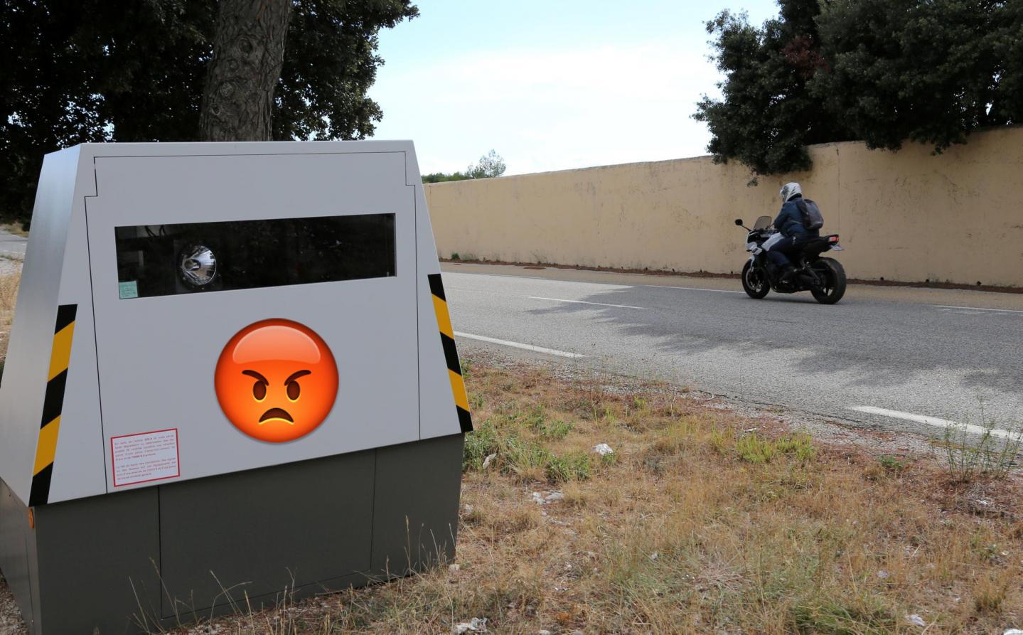 Deux Radars Autonomes Pouvant Flasher Dans Les Virages Vont être Installés